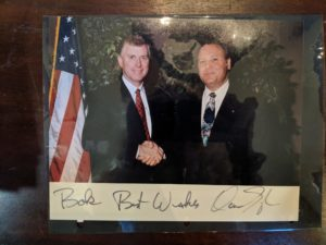 Bob Turner (right) and vice president Dan Quayle (left)